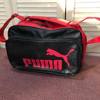 プーマ(PUMA)の【美品】PUMA プーマ エナメルバッグ レッド&ブラック(バッグ)