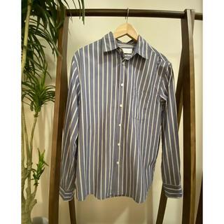 イッカ(ikka)のikka  ストライプシャツ Mサイズ 中古品(シャツ)