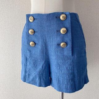 バーバリー(BURBERRY)のBURBERRY BLUE LABEL リネンショートパンツ ブルー 金ボタン(ショートパンツ)