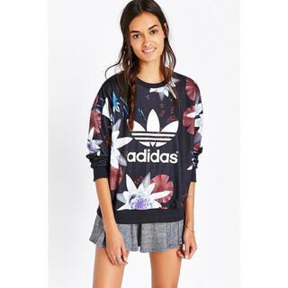 アディダス(adidas)のadidas フラワープリントトレーナー スウェット ブラック 花 ロータス(トレーナー/スウェット)