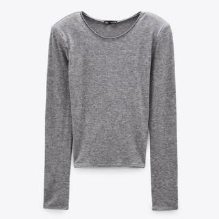 ザラ(ZARA)のZARA新品‼︎肩パッド付きセーター黒(ニット/セーター)