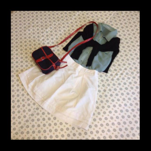 GU(ジーユー)の値下げ トップス レディースのトップス(シャツ/ブラウス(半袖/袖なし))の商品写真