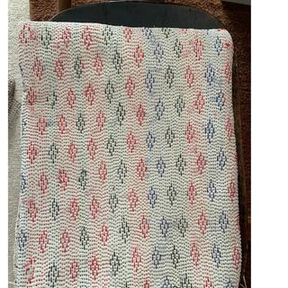 イデー(IDEE)のラリーキルト カンタ刺繍 ホワイト 138×188(ラグ)