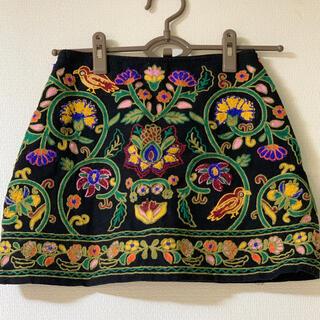 ザラ(ZARA)のzara ミニスカート 刺繍 ミニスカート(ミニスカート)