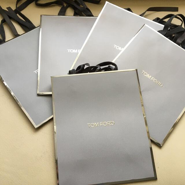 TOM FORD(トムフォード)のTom Ford トムフォード ショップ紙袋 新品4+Used1 レディースのバッグ(ショップ袋)の商品写真