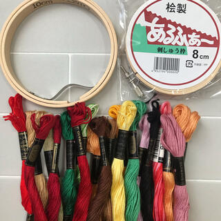 OLYMPUS - 刺繍枠(10cm・8cm)・刺繍糸(オリンパス)20本 セット販売