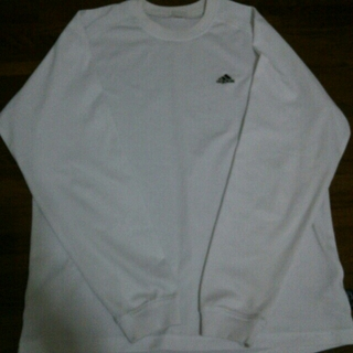 アディダス(adidas)のadidas 長袖Tシャツ(Tシャツ/カットソー(七分/長袖))