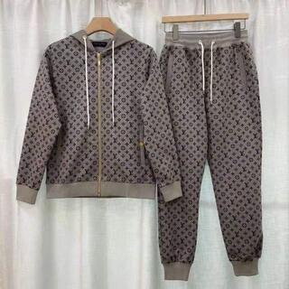 ルイヴィトン(LOUIS VUITTON)の●Louis Vuitton●  カジュアルな服装(テーラードジャケット)