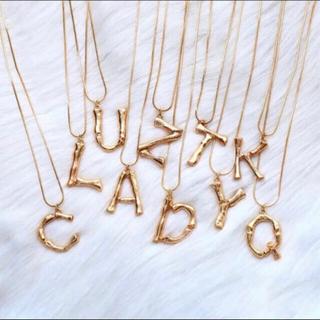 セリーヌ(celine)の【A、Yのみ】新品インポート♡ゴールド アルファベット イニシャル ネックレス(ネックレス)