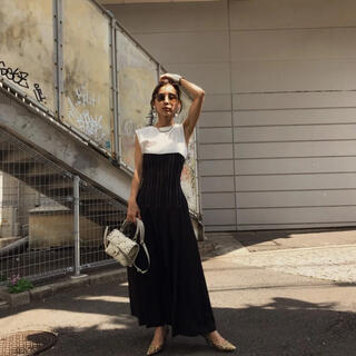 アメリヴィンテージ(Ameri VINTAGE)のSTITCH TUCK DRESS(ロングスカート)