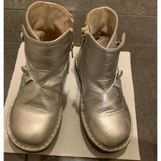 ボンポワン(Bonpoint)のシルバー レザーブーツ pepe  サイズ26(ブーツ)