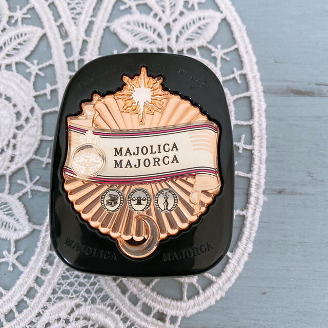 MAJOLICA MAJORCA(マジョリカマジョルカ)のマジョマジョ フェースパウダー コスメ/美容のベースメイク/化粧品(フェイスパウダー)の商品写真