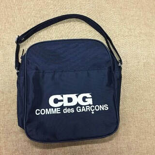 コムデギャルソン(COMME des GARCONS)のCOMME des GARCONSバッグ ショルダーバッグ(ショルダーバッグ)