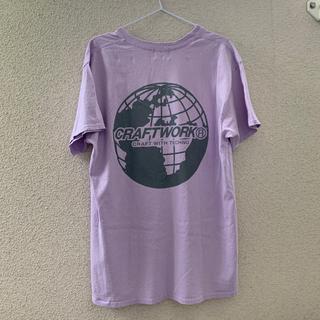 フーズフーギャラリー(WHO'S WHO gallery)のCRAFTWORKリフレクターアースロゴTEE(Tシャツ(半袖/袖なし))