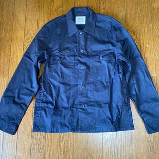 イッカ(ikka)のikka メンズシャツ Lサイズ 紺(シャツ)