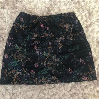 エモダ(EMODA)のEMODA タイトスカート 花柄スカート ミニ スカパン(ミニスカート)