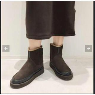 アパルトモンドゥーズィエムクラス(L'Appartement DEUXIEME CLASSE)のアパルトモン ドゥーズィエムクラス スイコックムートンブーツ (ブーツ)