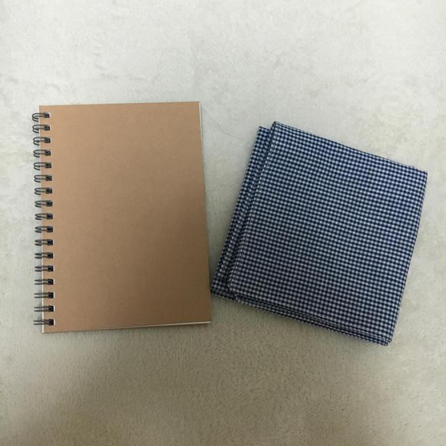 MUJI (無印良品)(ムジルシリョウヒン)の無印良品 ノートとハンカチ レディースのファッション小物(ハンカチ)の商品写真