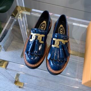 トッズ(TOD'S)のトッズ  ローファー革靴(ローファー/革靴)