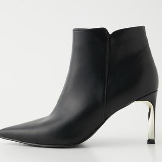 リエンダ(rienda)のツイストヒールショートブーツ ブラック(ブーツ)