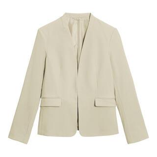 ジーユー(GU)のGU スーツ オフィス セットアップ ジャケット スカート 大きいサイズ(スーツ)
