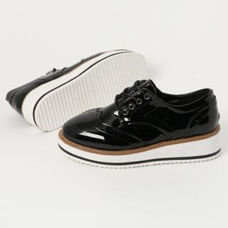 ランダ(RANDA)の売りつくし限定タイムセール厚底エナメル調オックスフォードシューズ黒ブラック(ローファー/革靴)
