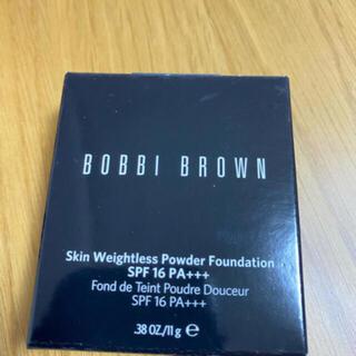 ボビイブラウン(BOBBI BROWN)のボビィブラウン  スキンウェイトレス  パウダー 3.5ウォームベージュ(ファンデーション)