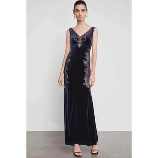 ビーシービージーマックスアズリア(BCBGMAXAZRIA)の❤️BCBGMAXAZRIA 2020新作新品 黒パーティードレス 結婚式 (ロングドレス)