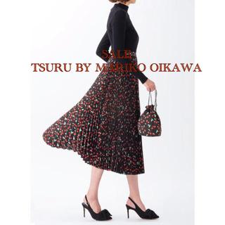 ツルバイマリコオイカワ(TSURU by Mariko Oikawa)のチェリー柄プリーツスカート ツルバイマリコオイカワ(ロングスカート)