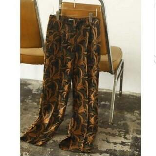 トゥデイフル(TODAYFUL)の●限定値下● Jacquard Slit Trousers pants(クロップドパンツ)
