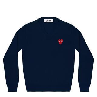コムデギャルソン(COMME des GARCONS)の【COMME des GARCONS】新品 PLAY Vネックセーター (ニット/セーター)