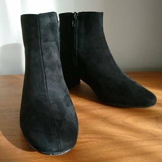 シップス(SHIPS)のSHIPS ブラック ショートブーツ  37(23.5)(ブーツ)