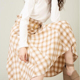 セシルマクビー(CECIL McBEE)のCECIL McBEE スカート ベルト付き(ひざ丈スカート)