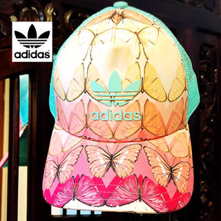 adidas - アディダス 美品 蝶々 キャップ 帽子 ファーム コラボ 花柄 バタフライ
