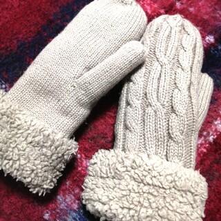 ザラ(ZARA)の裏ボア ニット 手袋(手袋)