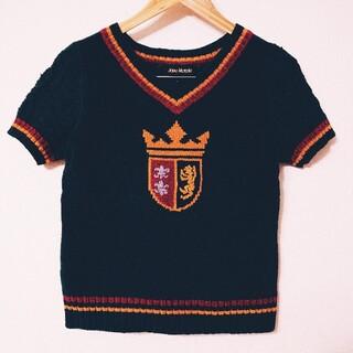 ジェーンマープル(JaneMarple)のジェーンマープル★Vネック紋章半袖セーター(ニット/セーター)