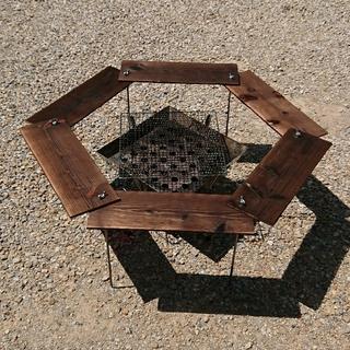 ユニフレーム(UNIFLAME)のBBQ ヘキサテーブル 91×91cm 【組立簡単、軽量、収納コンパクト】(テーブル/チェア)