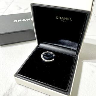 シャネル(CHANEL)の✨美品✨ CHANEL シグネチャー ホワイトゴールド Cリング (リング(指輪))