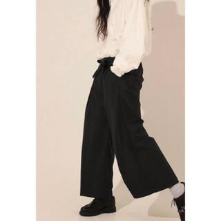 ワンエルディーケーセレクト(1LDK SELECT)のsillage tropical wool hakama pants(スラックス)