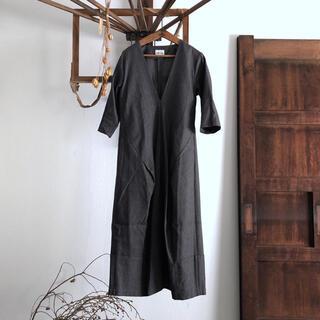 ミナペルホネン(mina perhonen)のhumoresque ユーモレスク v-neck dress ワンピース(ロングワンピース/マキシワンピース)