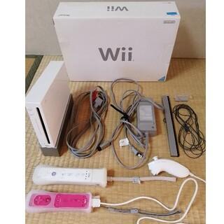 Wii - Wii本体+付属品+コントローラー2個+ヌンチャク1個