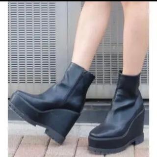エヴリス(EVRIS)のEVRIS 厚底ブーツ Mサイズ(ブーツ)