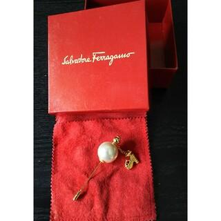 サルヴァトーレフェラガモ(Salvatore Ferragamo)のフェラガモのピンブローチ(ブローチ/コサージュ)