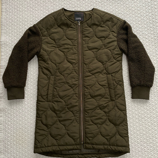 シマムラ(しまむら)のしまむら 今季購入 袖ボア中綿キルトコートMサイズ(ノーカラージャケット)