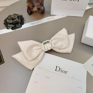 ディオール(Dior)のDiorディオール弓のヘアピン(ヘアピン)