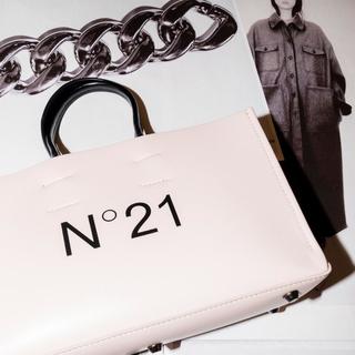 N°21 - 新品未使用タグ付き N°21 ヌードバッグ (ノベルティー付き)