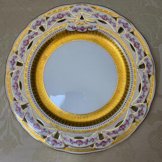 ミントン(MINTON)の【古ミントン】金彩 金盛 手描き/透かし 大皿「リボンとローズガーランド」(食器)