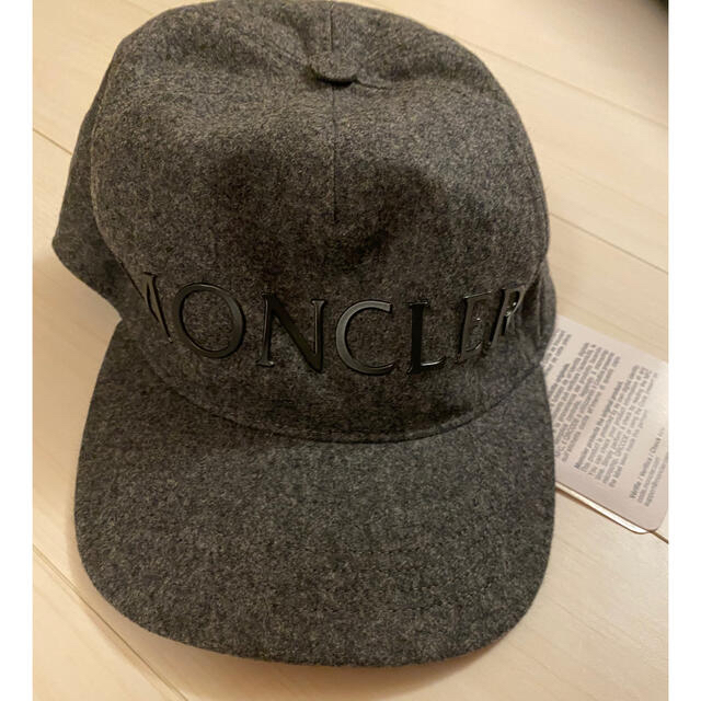 MONCLER(モンクレール)の新作!20-21AW モンクレール ロゴ ウール キャップ グレー レア メンズの帽子(キャップ)の商品写真