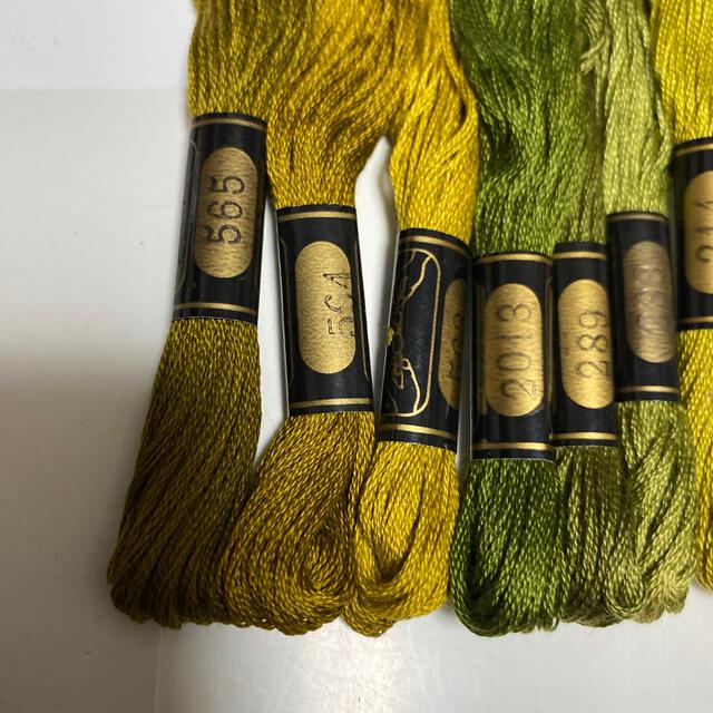 OLYMPUS(オリンパス)のオリムパス刺繍糸379 ハンドメイドの素材/材料(生地/糸)の商品写真