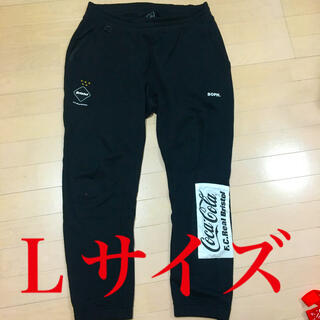 エフシーアールビー(F.C.R.B.)の【L】FCRB COCA-COLA PATCHED SWEAT PANTS(その他)